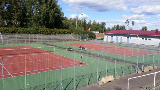 Hakkarin tenniskenttien kuva