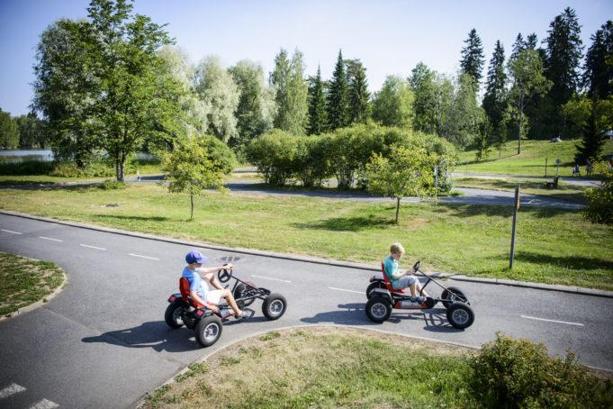 Liikennepuisto ja ajajat