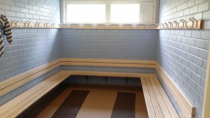 Kuva Lempoisten uimalarakennuksen pukuhuoneesta