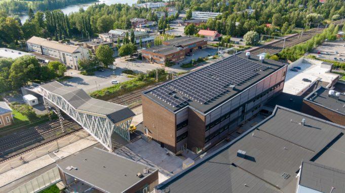 Lempäälä-talon aurinkopaneelit